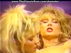 nasty lesbian babes eating pussy juices