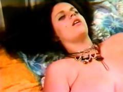 retro lesbos with large toy
