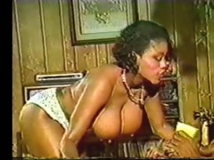ebon ayes bounces her boobs