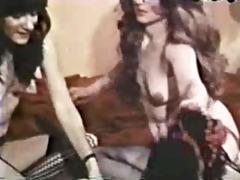 vintage housewives play