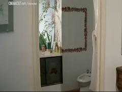 celebs stripped in bathroom