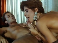 sexy italian with hairy cunt fucks her man